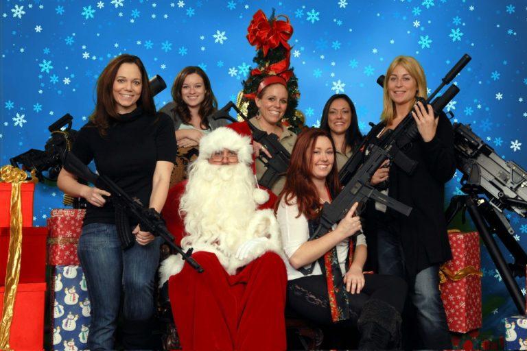Ο Άγιος Βασίλης…οπλοφορεί! Δείτε φωτογραφίες | Newsit.gr