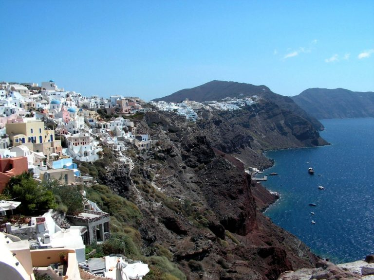 Προβλέψεις τρόμου από αμερικανό επιστήμονα: «Ενεργό όσο ποτέ το ηφαίστειο της Σαντορίνης» | Newsit.gr