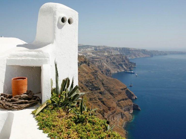 Πρώην πλούσιοι βγάζουν στο σφυρί βίλες εκατομμυρίων σε ελληνικά νησιά | Newsit.gr