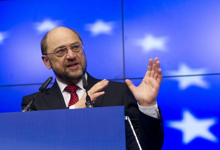 Σουλτς: Σώσαμε τις τράπεζες και χάνουμε μία ολόκληρη γενιά νέων ανθρώπων | Newsit.gr