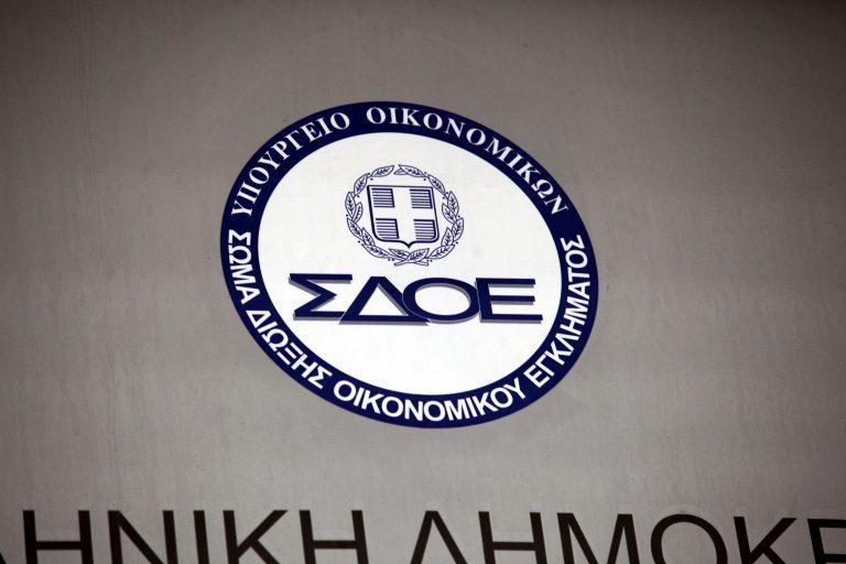 Πάτρα: Το ΣΔΟΕ εντόπισε πρώην ποτοποιό να κάνει λαθρεμπόριο αλκοόλ | Newsit.gr