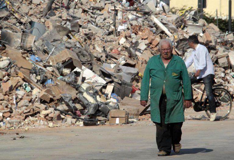Αυξήσεις κρατικών φόρων στα καύσιμα αποφάσισε ο Μόντι για βοήθεια στους σεισμόπληκτους | Newsit.gr