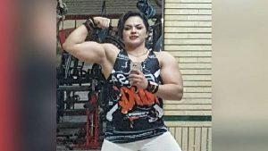 Στο κελί για «γυμνές» selfies γνωστή bodybuilder