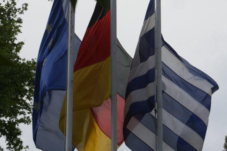 Οι μισοί Γερμανοί υπέρ του κουρέματος του ελληνικού χρέους   Newsit.gr