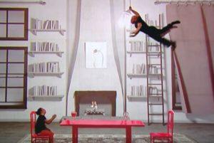 Νομίζεις ότι πετούν, αλλά κάνουν την χορογραφία στο πάτωμα! Δείτε το! [vid]