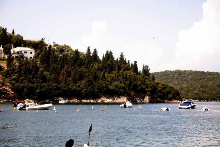 Καρέ καρέ η διάσωση δύο τουριστριών στα Σύβοτα | Newsit.gr
