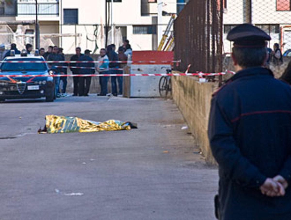 Έσφαξε την οικογένεια του, έβαλε φωτιά στο σπίτι και πήδηξε από την ταράτσα | Newsit.gr