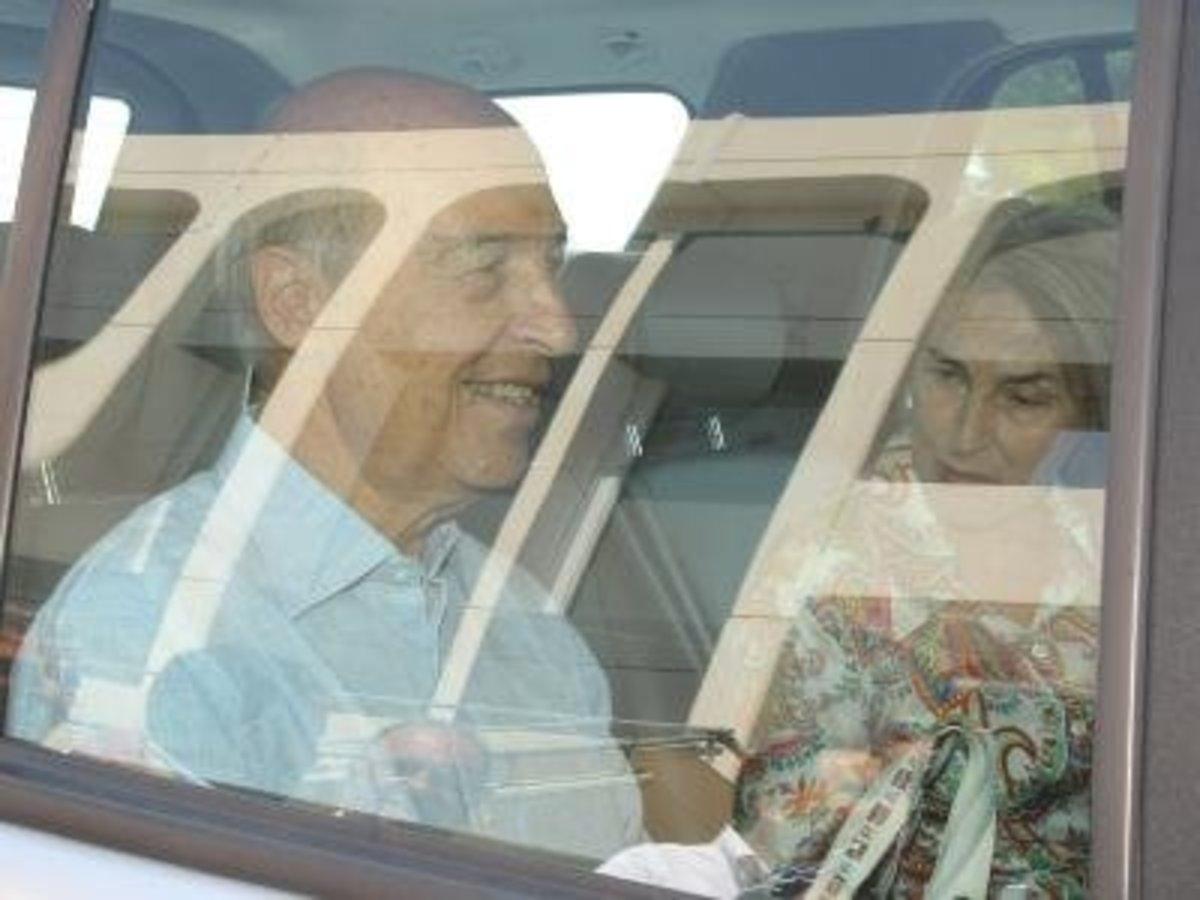 Στην Ελούντα για διακοπές ο Κώστας Σημίτης | Newsit.gr