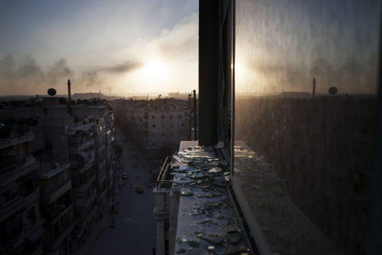 Παρά την εκεχειρία συνεχίζεται η σφαγή στη Συρία με 69 νεκρούς | Newsit.gr