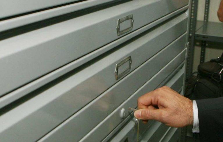 Πάτρα: Ο κλέφτης πήρε ολόκληρο το συρτάρι με τα λεφτά! | Newsit.gr