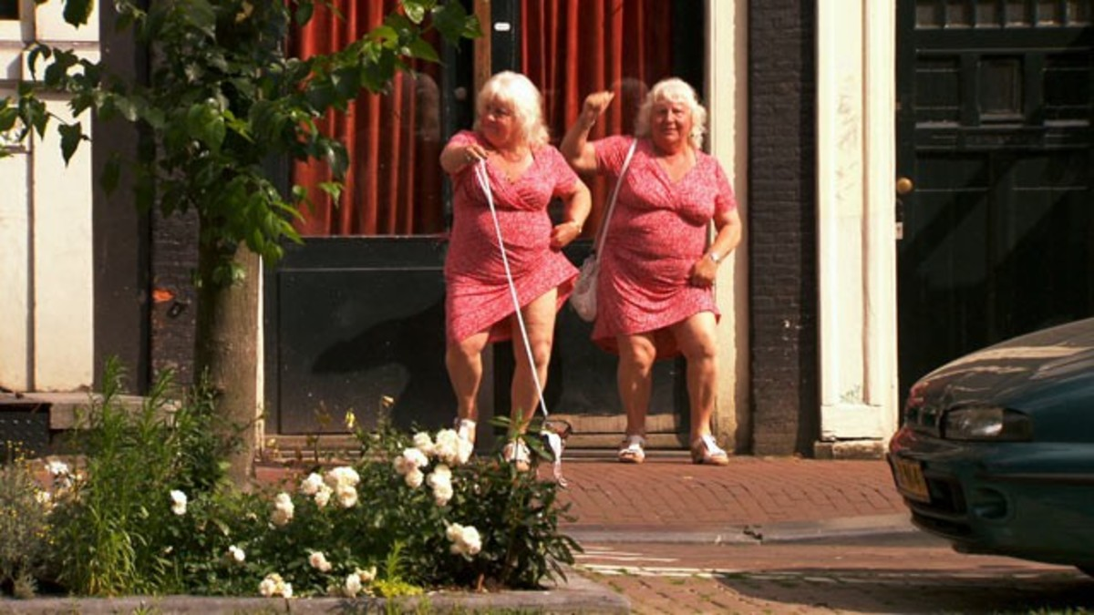 Είναι δίδυμες, είναι ιερόδουλες και είναι 69   Newsit.gr