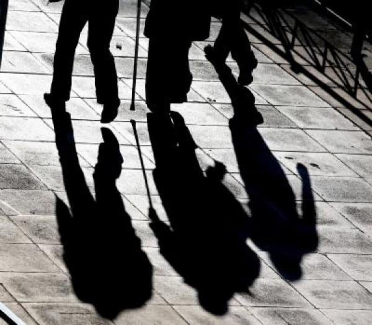 Ένας στους δύο Έλληνες ψάχνει δουλειά στο εξωτερικό | Newsit.gr