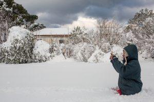 Καιρός – Αλόννησος: Στο έλεος της χιονοθύελλας το νησί – Χωρίς ρεύμα πάλι οι κάτοικοι