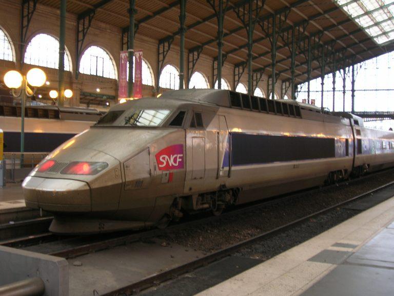 Η S&P υποβάθμισε τους γαλλικούς σιδηροδρόμους | Newsit.gr
