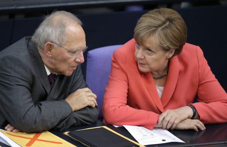 Σαρώνουν Μέρκελ και Σόμπλε στις δημοσκοπήσεις | Newsit.gr