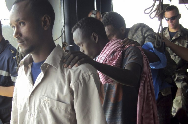 Στην φυλακή Σομαλοί πειρατές   Newsit.gr