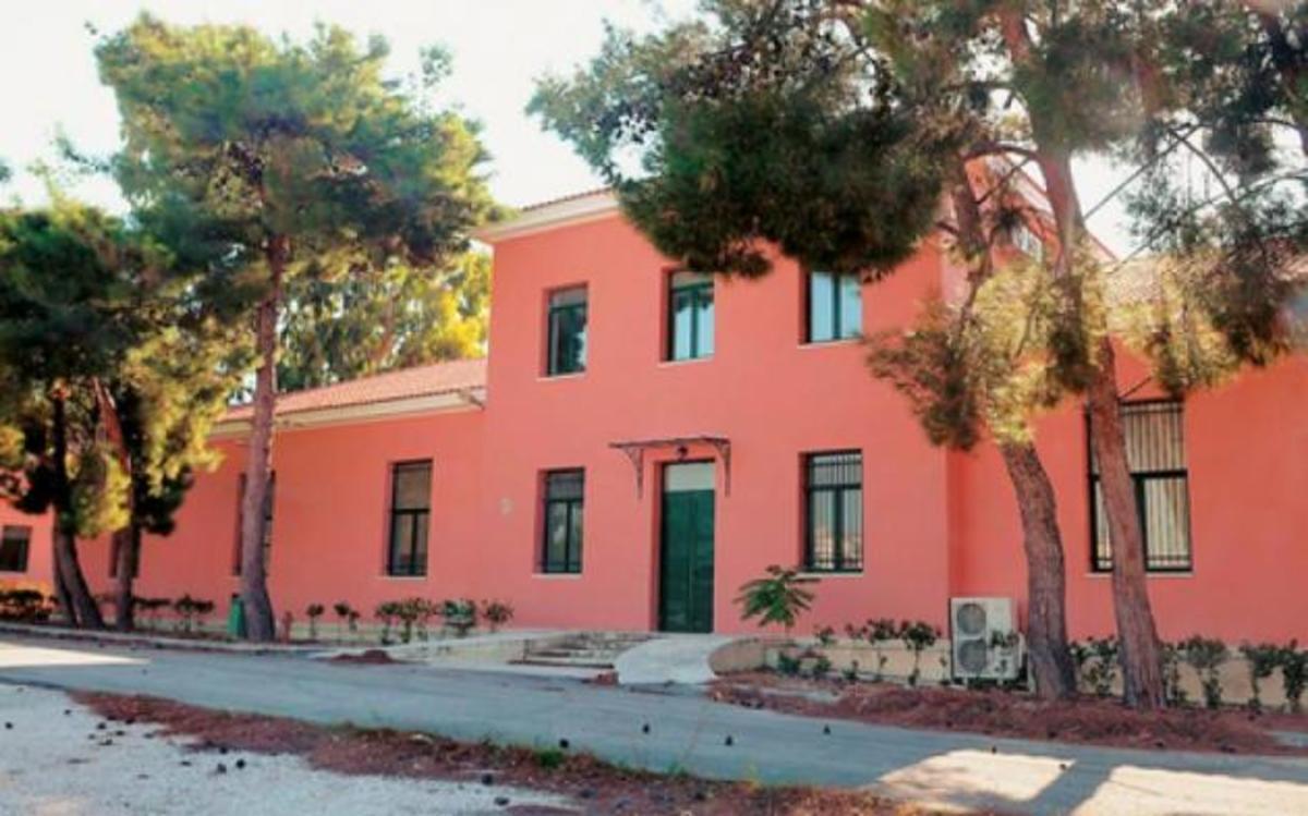 Οι «σομόν-μεζονέτες» του Στρατού! Ποιος αποφάσισε ανακαίνιση μονοκατοικιών στο Άλσος Στρατού!   Newsit.gr
