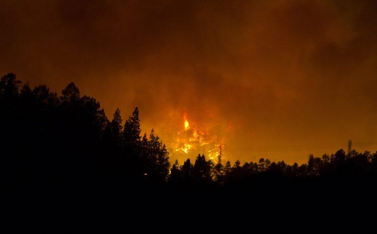 Μεγάλη πυρκαγιά στην Ισπανία – 3 νεκροί κι εκατοντάδες τραυματίες   Newsit.gr