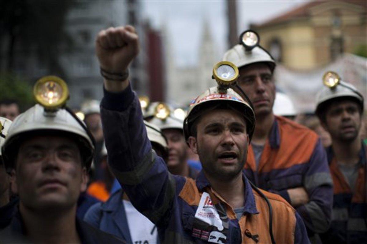 Ανακοινώνει πακέτο μέτρων σκληρής λιτότητας ο πρωθυπουργός της Ισπανίας | Newsit.gr