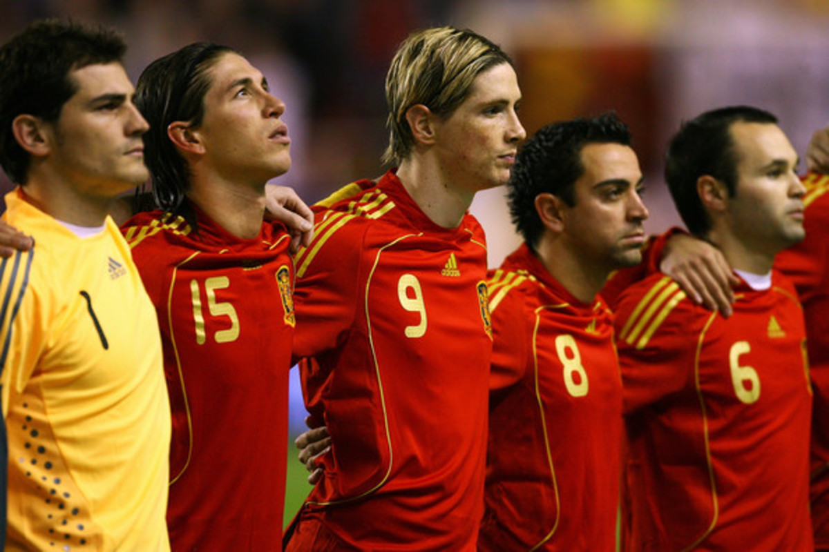 «Χρυσάφι» στα πόδια των Ισπανών   Newsit.gr