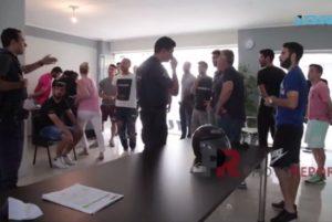 Σημάδια… διάλυσης στην Σπάρτη! Παίκτες και αστυνομία στα γραφεία της ομάδας [vid]