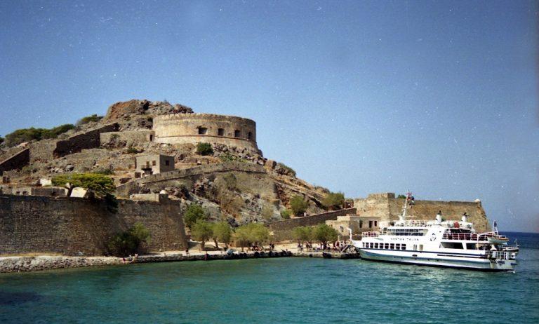 Χρυσάφι τα οικόπεδα με θέα… την Σπιναλόγκα! | Newsit.gr