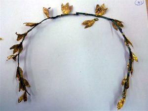 Ιωάννινα: Αρχαιοκάπηλοι συνελήφθησαν με χρυσό στεφάνι ανεκτίμητης αξίας!