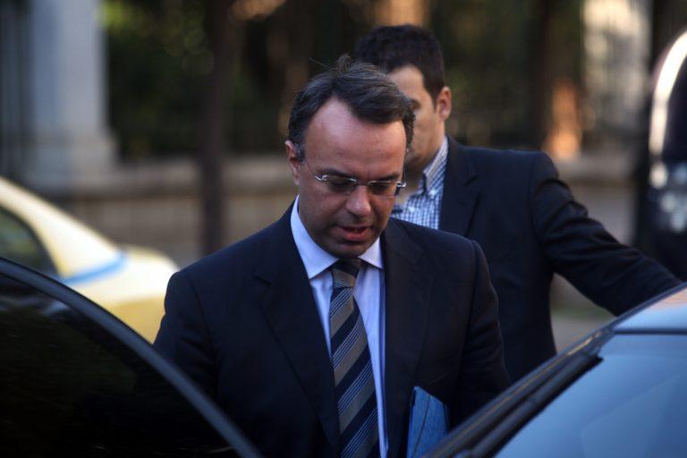 «Και ευχαριστημένοι να είσαστε» η άποψη του υπουργείου Οικονομικών για τις περικοπές αποστράτων | Newsit.gr