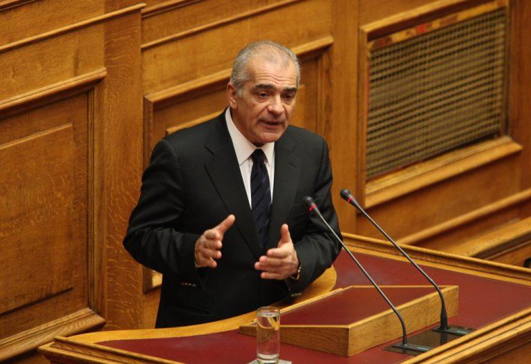 Τα «γυρίζει» ο Δ. Σταμάτης – Λέει οτι ίσως ψηφίσει τον προϋπολογισμό | Newsit.gr