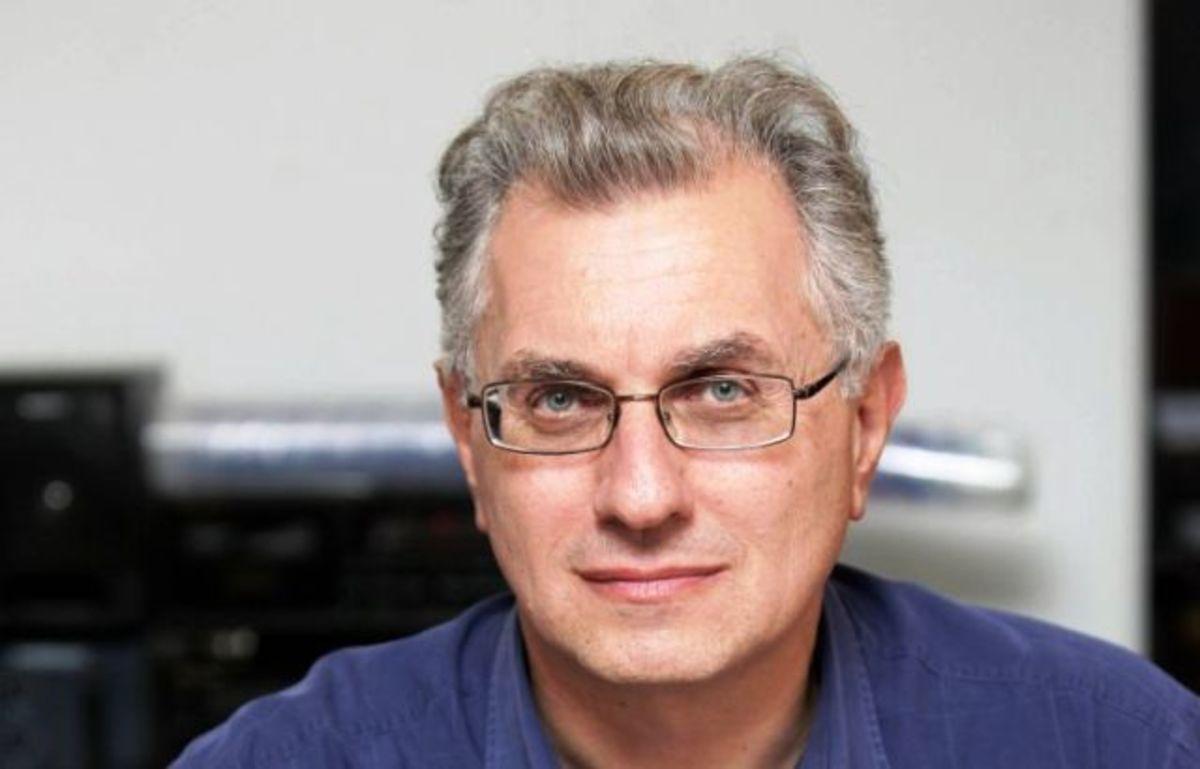 Συγκίνηση στο «ύστατε χαίρε» του Γιάννη Σταματόπουλου | Newsit.gr