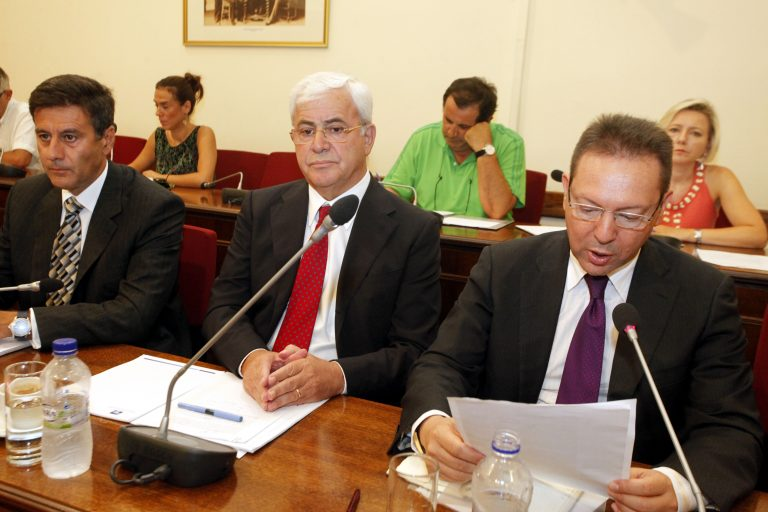 Καυγάς στη Βουλή για την ανακεφαλαιοποίηση των τραπεζών | Newsit.gr