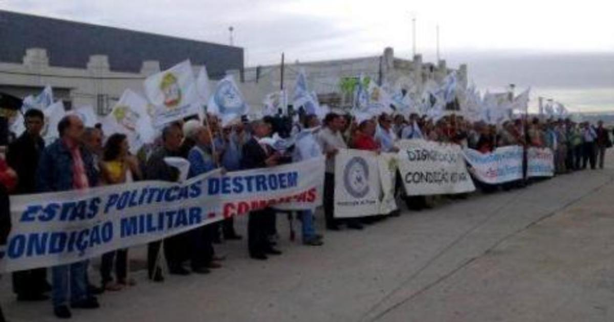 Βγήκαν στο δρόμο οι στρατιωτικοί στη Πορτογαλία.Έρχεται η σειρά μας; | Newsit.gr