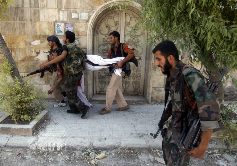 Βομβαρδίζεται το Χαλέπι – Μαίνονται οι μάχες στο στρατιωτικό αεροδρόμιο της Δαμασκού   Newsit.gr
