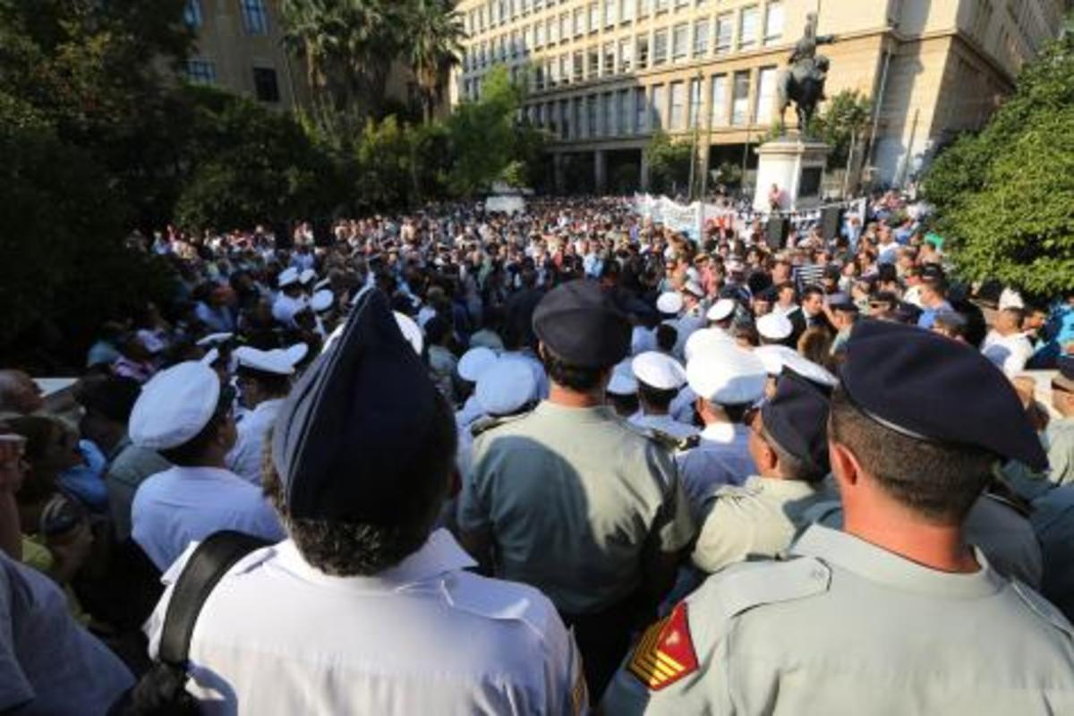 Αποτάξεις και «σιδηρά πυγμή» στις Ένοπλες Δυνάμεις. Ποια είναι η «μπλόφα» και ποιος ο στόχος | Newsit.gr