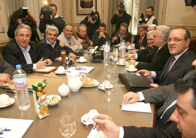 ΣΕΒ: Ξεχάστε τα 800 ευρώ για πρώτο μισθό | Newsit.gr