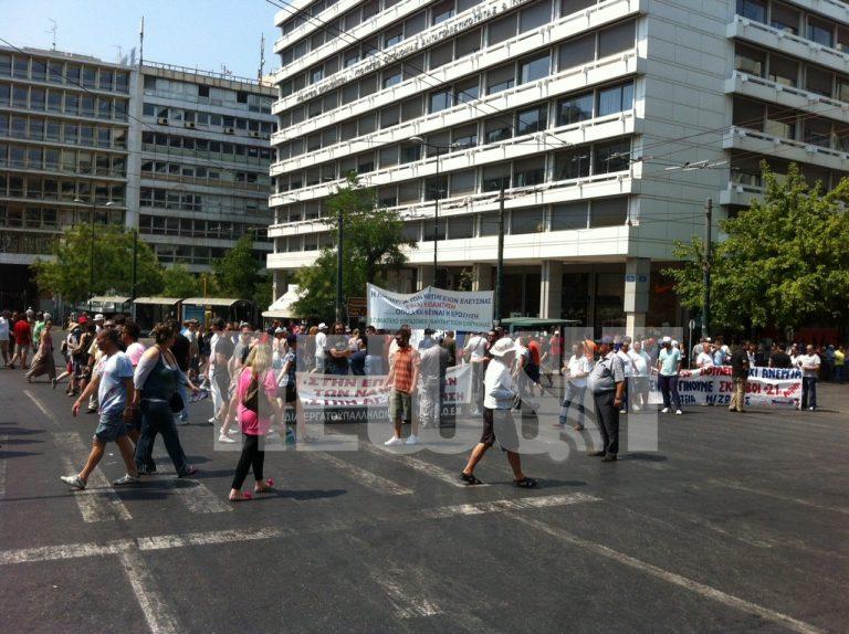 Άνοιξαν οι δρόμοι στο κέντρο – Αποχώρησαν οι ναυτεργάτες   Newsit.gr