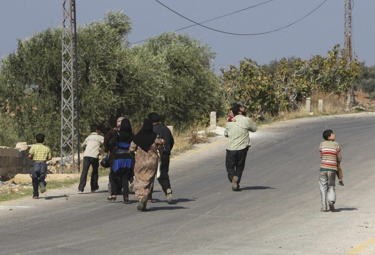 Αεροπορική επιδρομή στη Συρία σκόρπισε το θάνατο σε παιδιά και γυναίκες | Newsit.gr