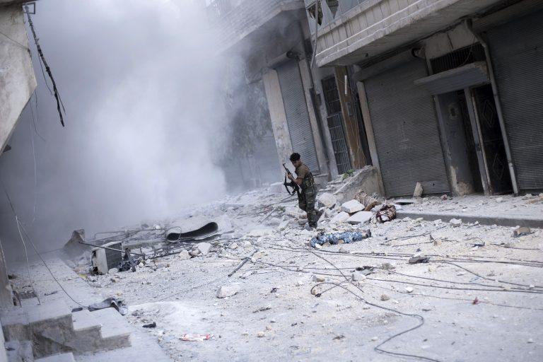 Ισοπεδώνει πόλεις η συριακή αεροπορία | Newsit.gr