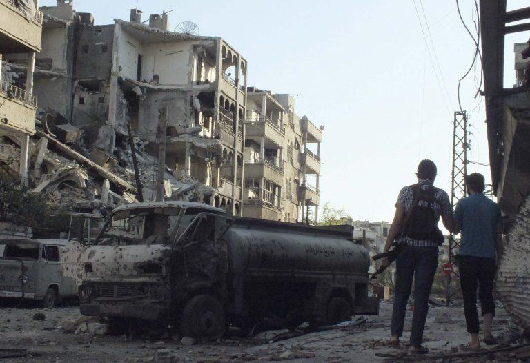 Σφοδρές συγκρούσεις στο Χαλέπι – Νέες αντικυβερνητικές διαδηλώσεις στη χώρα | Newsit.gr