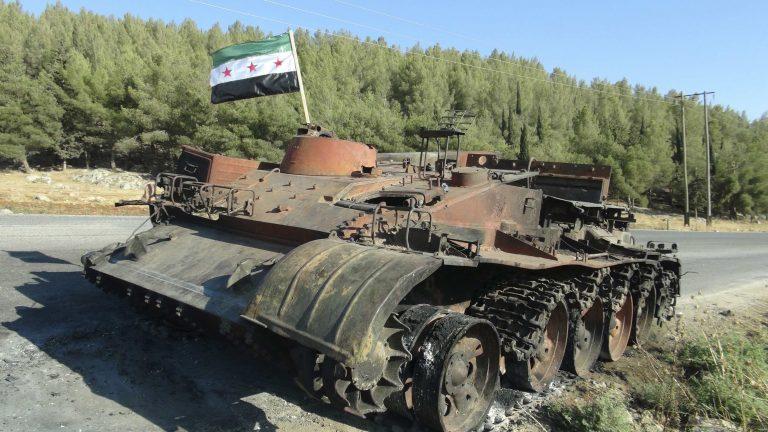 Πέντε νεκροί, μεταξύ τους και μία έγκυος, από βομβαρδισμούς στην Χομς | Newsit.gr