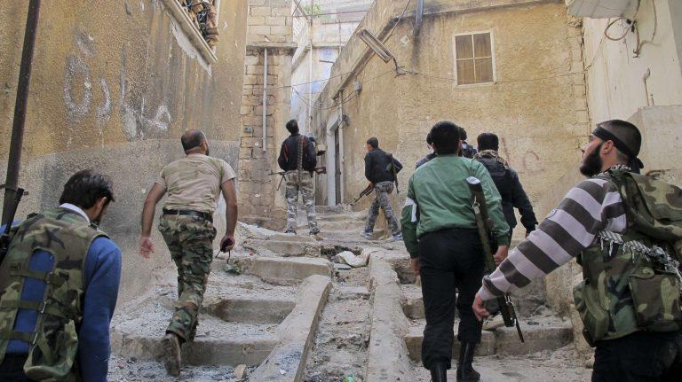 Συρία: Οι αντάρτες κατέλαβαν πετρελαιοφόρο περιοχή | Newsit.gr
