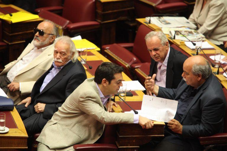 """Α.Τσίπρας: """"Βαρύτατη ευθύνη επισύρει η ψήφιση σχεδίου συμφωνίας με τη Siemens, λίγο πριν από τις 6 Μαΐου""""   Newsit.gr"""