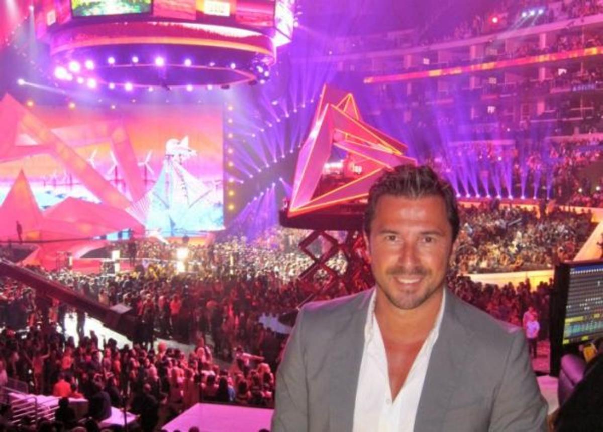Από τα βραβεία του MTV στο Los Angeles, κατευθείαν στο ZAPPIT! Ο Γιώργος Σατσίδης  ζωντανά μας τα λέει ΟΛΑ σήμερα στις 14:00! | Newsit.gr