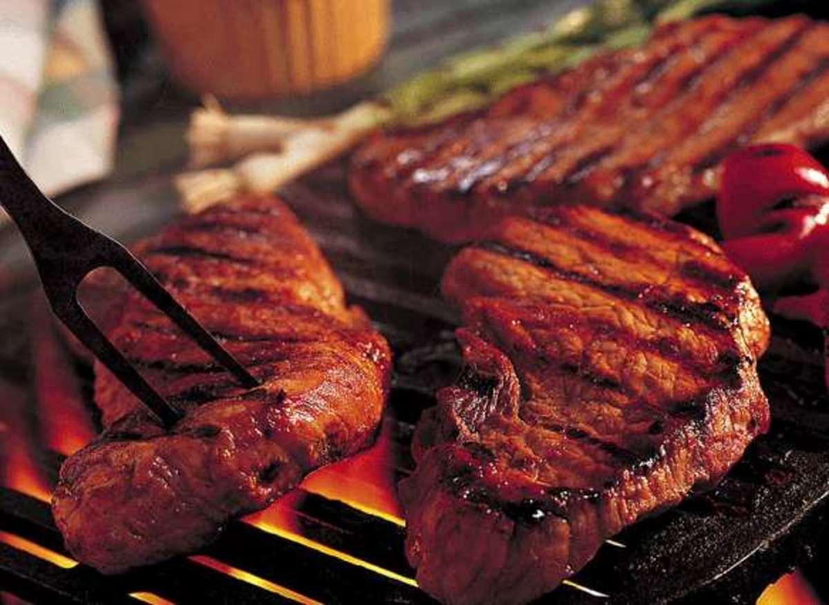 Ο Έλληνας τρώει 100 κιλά κρέας το χρόνο! | Newsit.gr