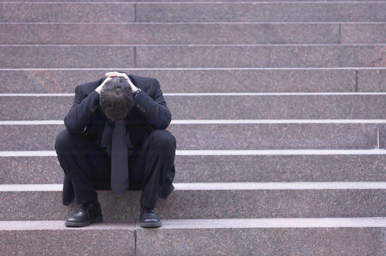 Υπερδιπλασιάστηκαν οι αυτοκτονίες μέσα σε έναν χρονο | Newsit.gr