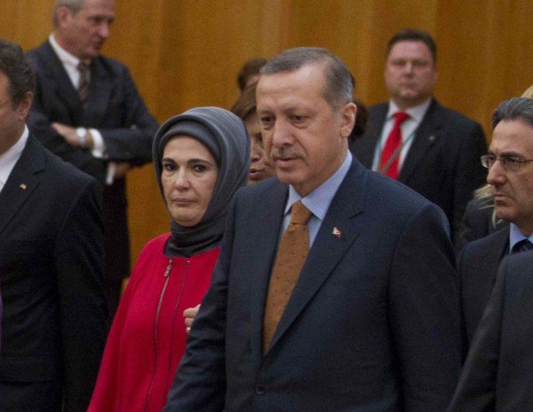 Σοκ στην Τουρκία. » Κάποιοι άκουγαν ακόμη και τις συνομιλίες απο την κρεβατοκάμαρα του Ερντογάν» | Newsit.gr
