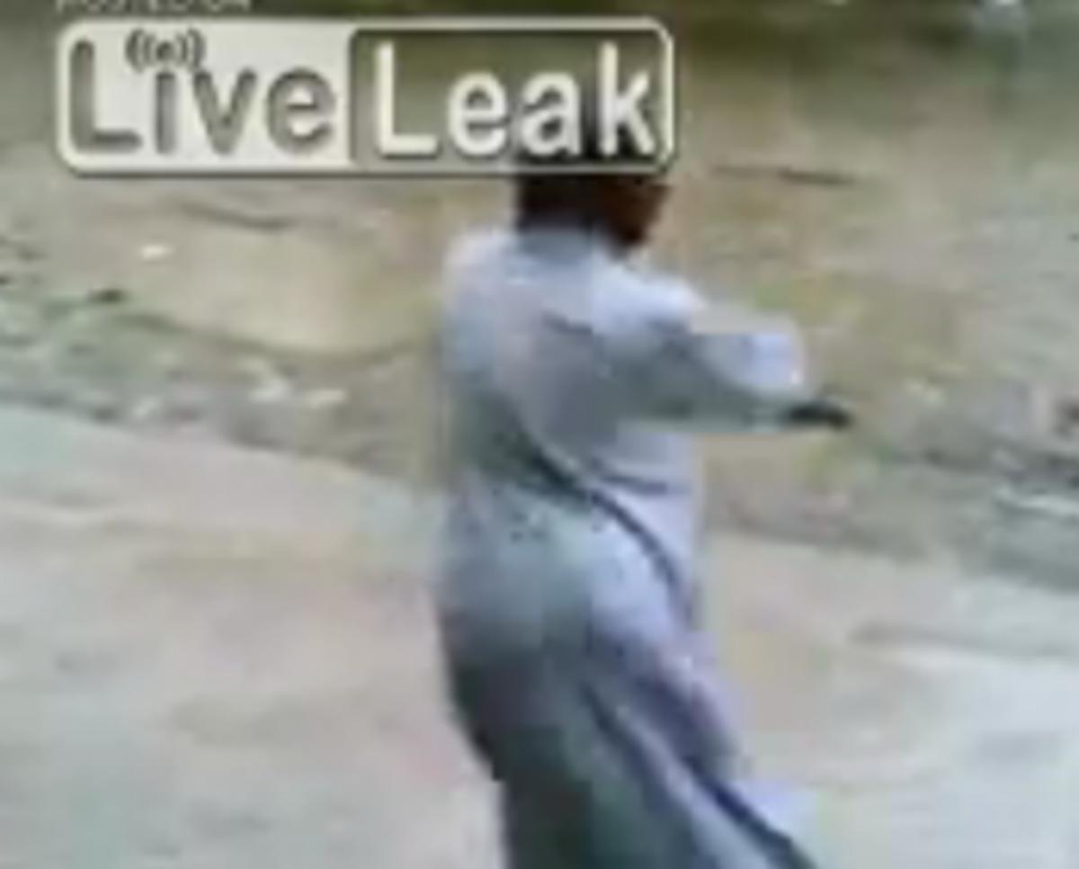 Ο χορός του Ταλιμπάν!  Δείτε το βίντεο | Newsit.gr