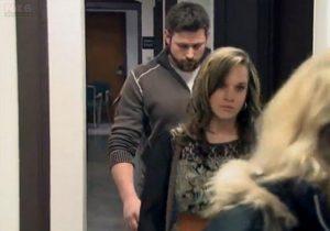 Ακόλαστη καθηγήτρια! Έκανε έρωτα με μαθητή της όταν ο άντρας της έκανε το μπάτσελορ!
