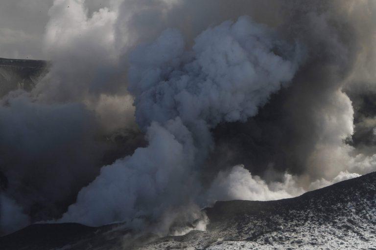 Πέντε δις η ζημιά για την παγκόσμια οικονομία από την ηφαιστειακή τέφρα | Newsit.gr