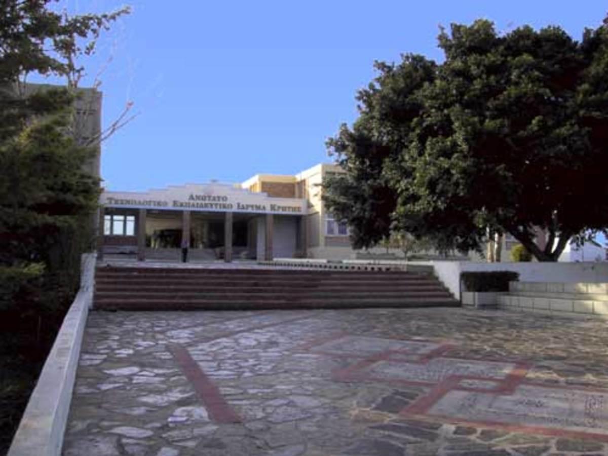 Ηράκλειο: Κι' όμως! Εδώ μέσα καλλιεργούσε χασίς! | Newsit.gr